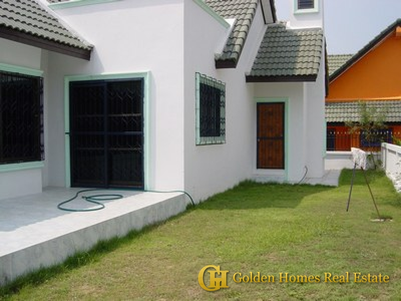 House for sale in Mabprachan Lake